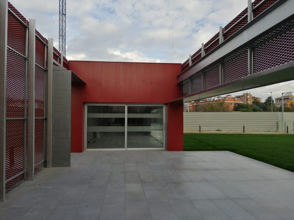004 CLUB SOCIAL EN EDIFICIO PINEDA PARQUE DE INSUR.