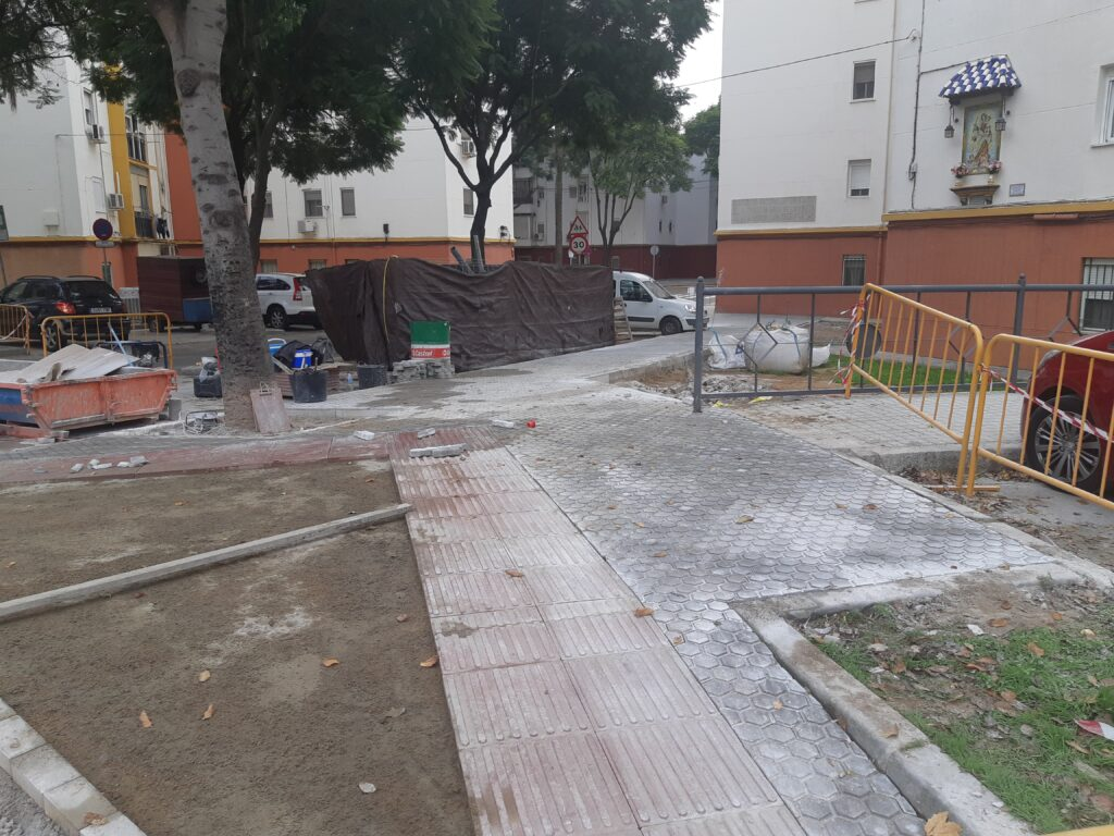 001 REMODELACIÓN DE ACERADOS EN LA CALLE RIO FRIO DE SEVILLA