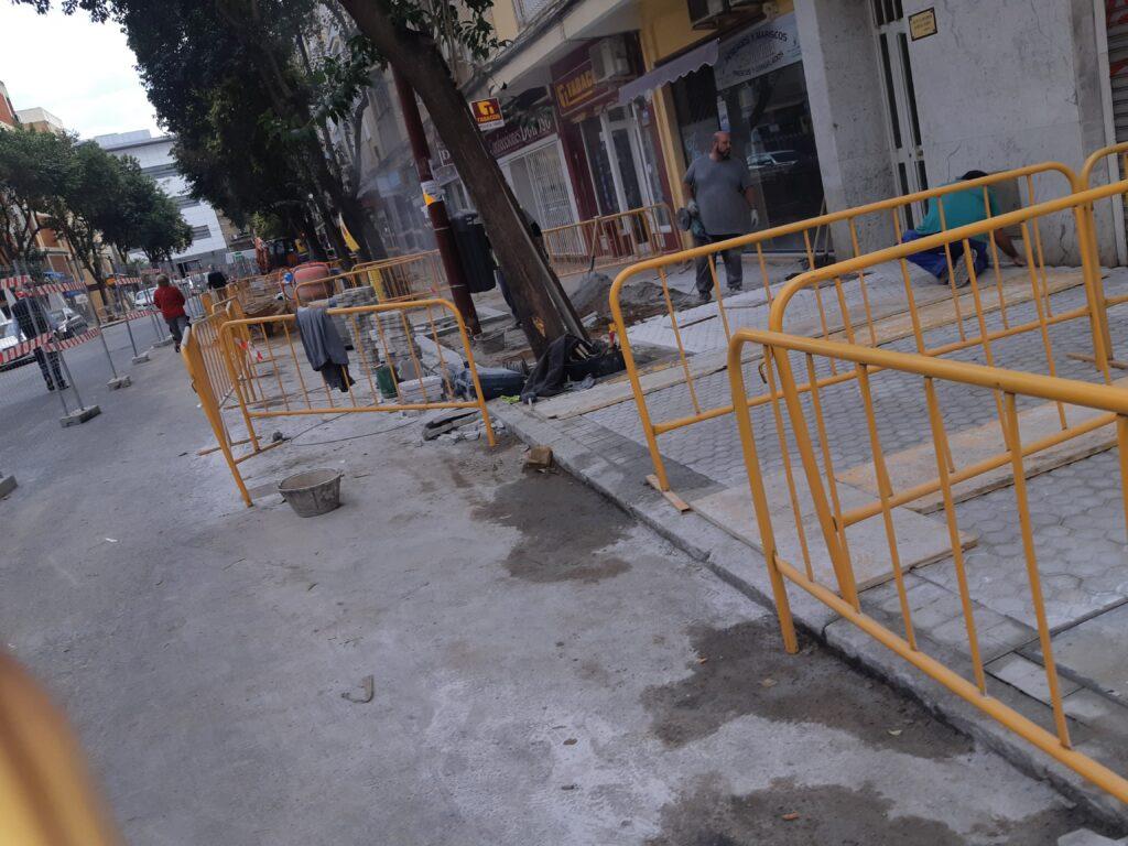 003 REMODELACION DE ACERADOS EN LA AVDA. SANTA CECILIA DE SEVILLA