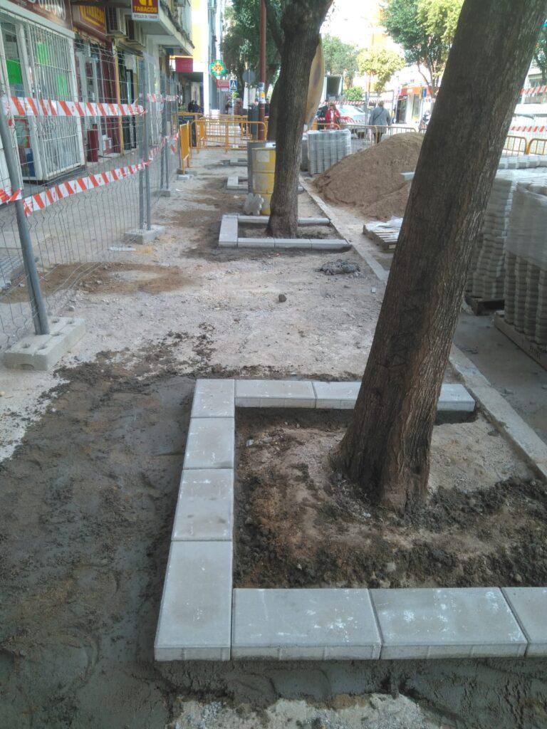 004 REMODELACION DE ACERADOS EN LA AVDA. SANTA CECILIA DE SEVILLA