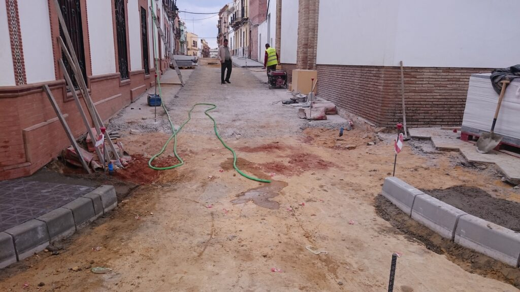 005 REMODELACIÓN DE CALLES BENARDO Y ROSARIO EN MAIRENA DEL ALCOR.