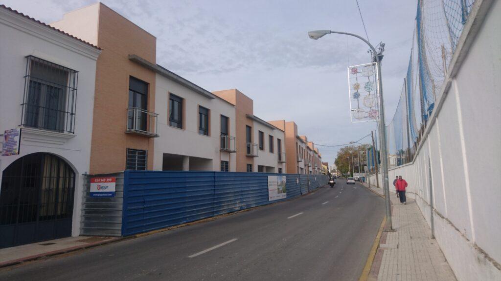 009 28 VIVIENDAS EN CASTILLEJA DE LA CUESTA, INSUR