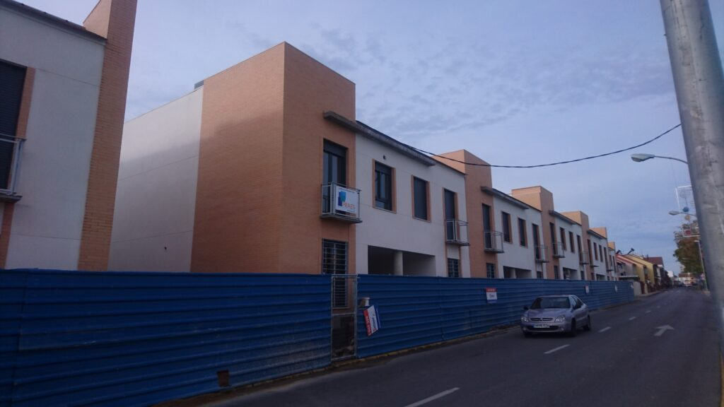 010 28 VIVIENDAS EN CASTILLEJA DE LA CUESTA, INSUR